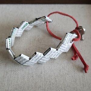 Recylced magazine bracelet